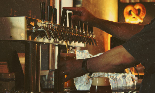 beer-pouring